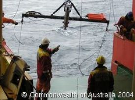 Trawl net deployment